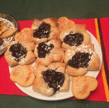 Joulutorttu filled with prune jam